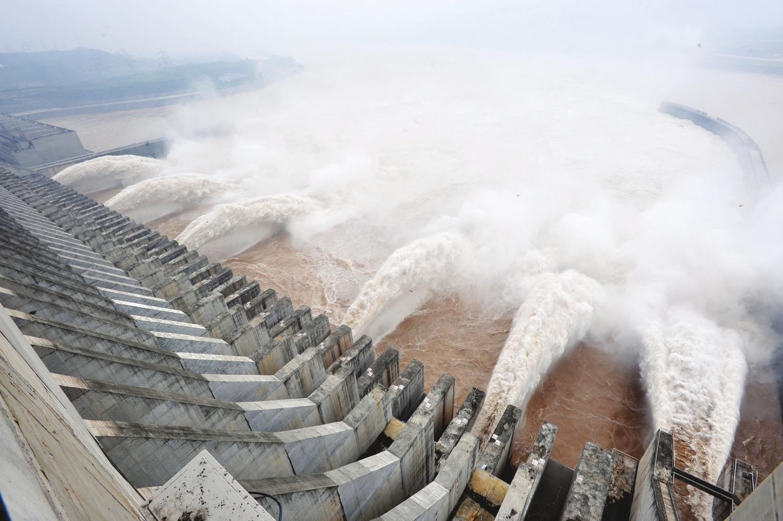 三峡大坝泄洪壮观场面 - 香儿 - xianger