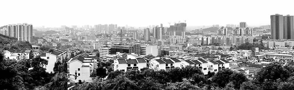 邵阳经济开发区以西湖北路,魏源路为轴线,已建成江北防洪大堤,江北